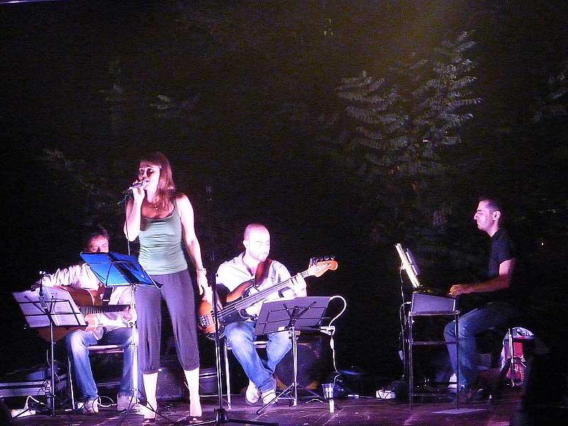 Musica dal vivo con il Trio Jazzet